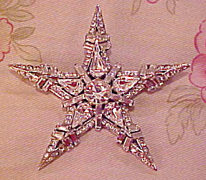 Reinad rhinestone Star pin - Book Piece (Image1)