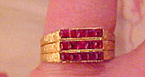 Ring with hot pink rhinestones (Image1)