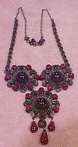 Fabulous 1960s Flower necklace (Image1)