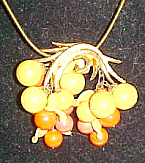 Clip pendant with leaf design (Image1)