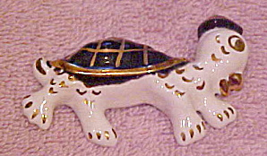 Ceramic turtle pin (Image1)