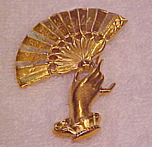 VFCJ Convention hand brooch (Image1)