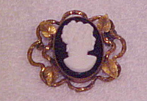 Art Nouveau Glass Cameo Pin