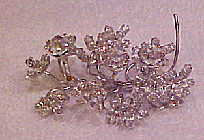 Rhinestone trembler flower brooch (Image1)