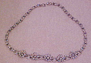 Trifari flower necklace with rhinestones (Image1)