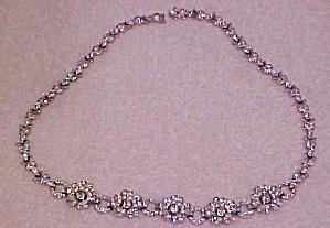 Trifari flower necklace with rhinestones (Image1)