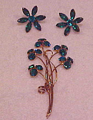 Green rhinestone flower pin and earrings (Image1)