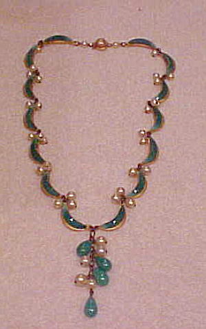 1970s green glass necklace (Image1)