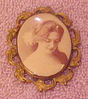 Victorian photo pin (Image1)