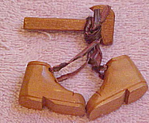 Wood carpenter pin (Image1)