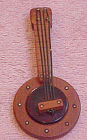 Banjo pin with bakelite (Image1)