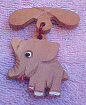Wood elephant pin (Image1)