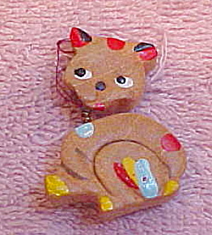 Wood cat pin with head on spring (Image1)
