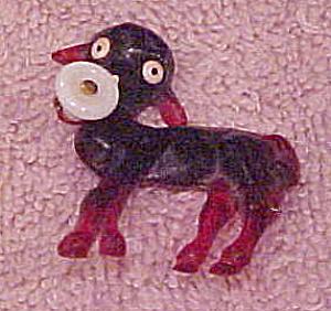Plastic lamb pin (Image1)