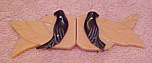 Bakelite leaf buckle with birds (Image1)