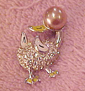 Duck pin with enameling and rhinestones (Image1)