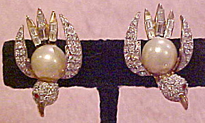 Bird earrings with faux pearl and rhinestones (Image1)