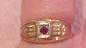 10k ring with synthetic ruby (Image1)