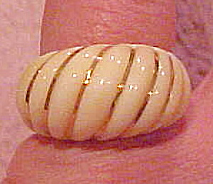 Ivory ring with gold inlay (Image1)