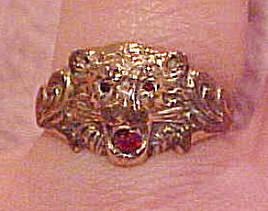 Lions head ring with synthetic ruby (Image1)