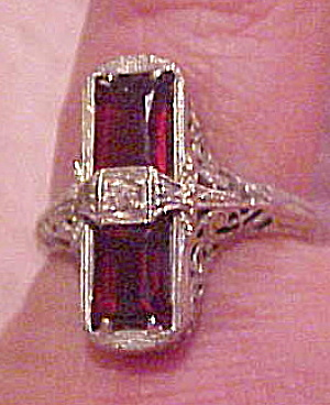 Platinum ring with diamond and syn ruby (Image1)