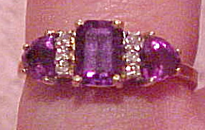 Contemporary amethyst and diamond ring (Image1)