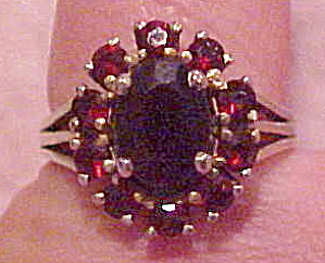 Sterling ring with garnets (Image1)