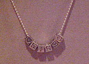 1980s necklace with kiss beads (Image1)