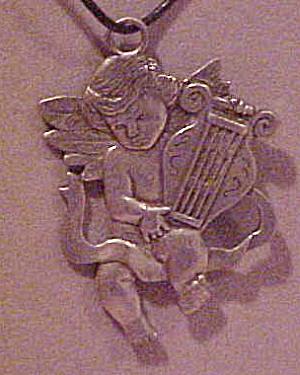 1988 Seagall angel pendant (Image1)
