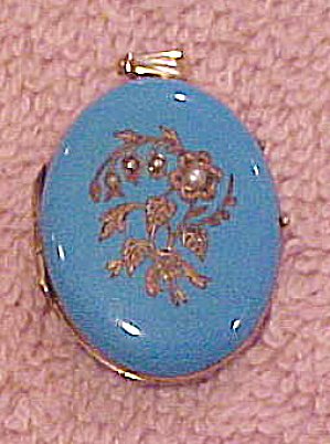 GF enamel locket with flowers and pearls (Image1)