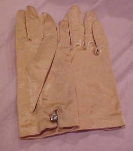Peach satin gloves with rhinestone button (Image1)
