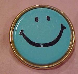 Smiley face pin (Image1)