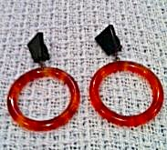 Fabulous plastic earrings! (Image1)