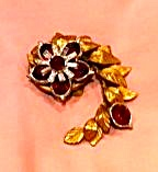 Floral design dress clip with red rhinestones (Image1)