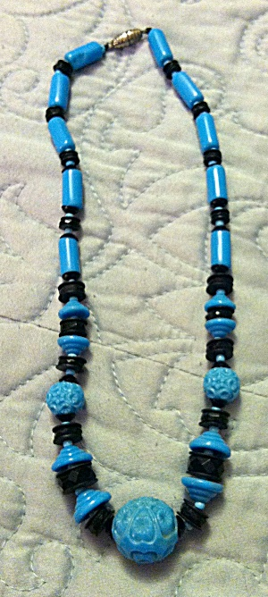 Turquoise and Black Glass necklace (Image1)