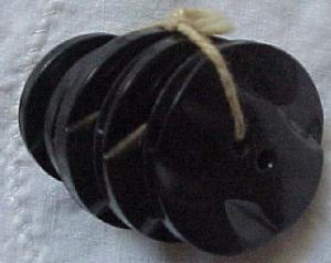 5 faceted black plastic buttons (Image1)