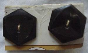 6 black faceted plastic buttons (Image1)