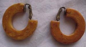 Butterscotch bakelite hoop earrings (Image1)