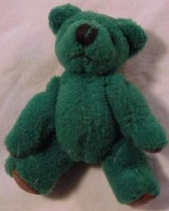 Mini stuffed teddy bear pin (Image1)