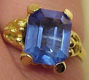 Faceted Sapphire color glass ring (Image1)