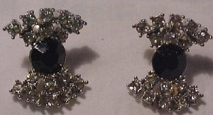 Bow shaped rhinestone earrings (Image1)