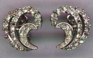 Trifari rhinestone earrings (Image1)