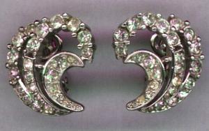 Trifari rhinestone earrings (Image1)