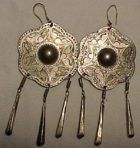 Silvertone ethnic earrings (Image1)