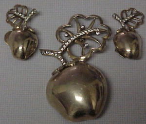 Sterling vermeil apple pin and earrings (Image1)