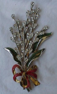 Rhinestone flower bouquet pin (Image1)