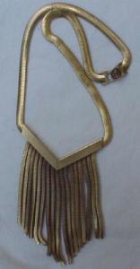 Deco style fringe necklace (Image1)
