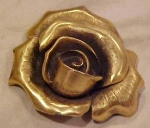 Tortolani rose pin