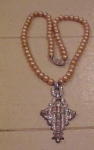 Art Deco pendant w/faux pearls