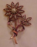Flower pin with faux pearls
